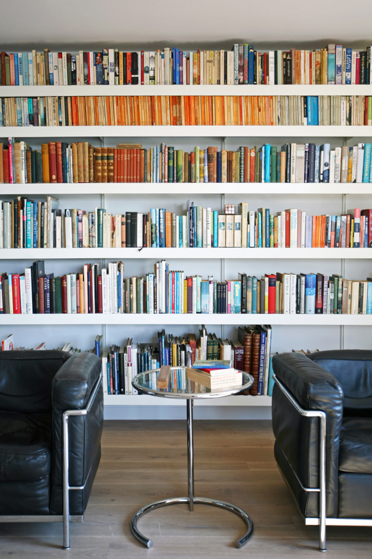 Book shelving with adjustable strong shelving