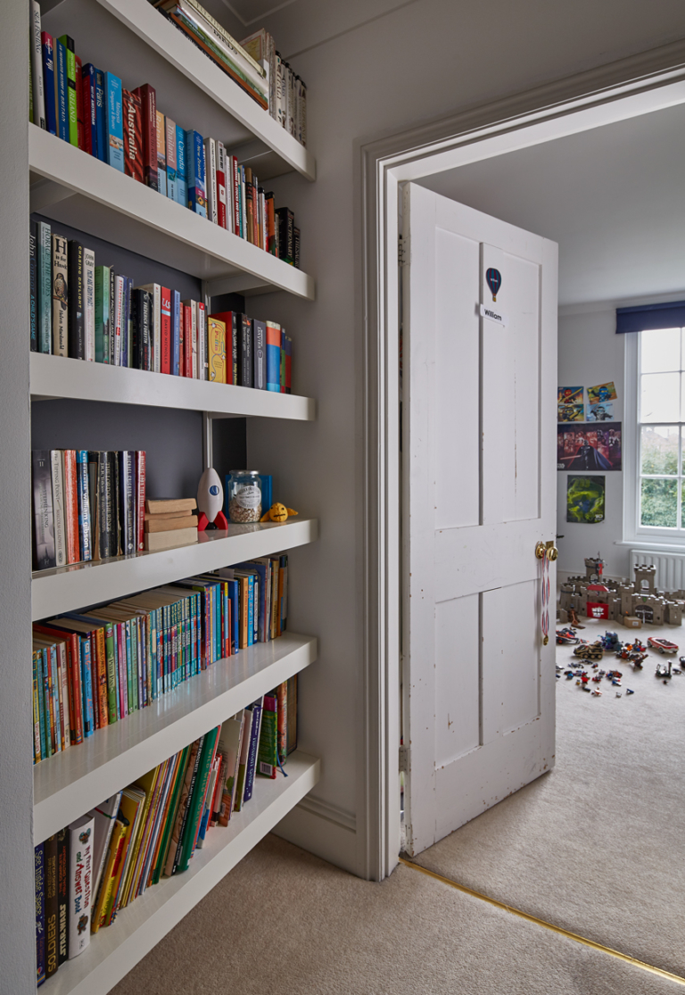 Alcove shelving bookcase