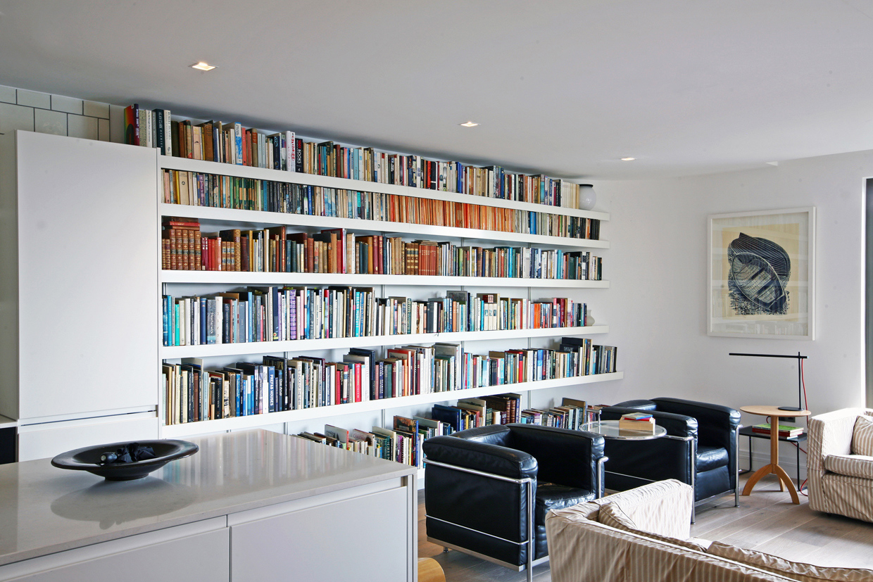 Seemless book shelves using 6m long white shelves