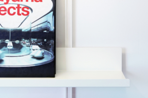 ON&ON mini shelf end, position it above our floating desk to help create a clutter free space