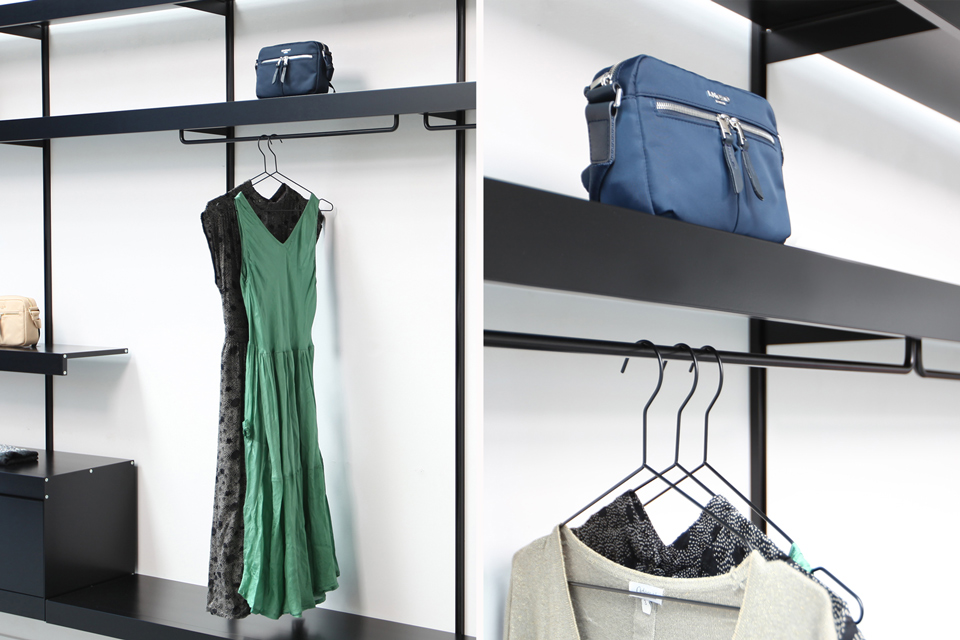 Retail shelving with clothes hangers